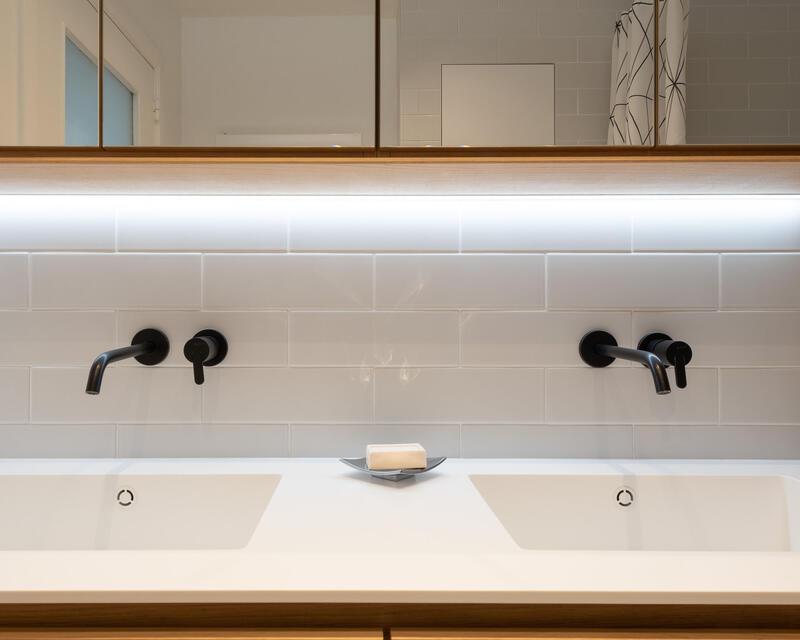 salle-de-bains: détail du meuble lavabos