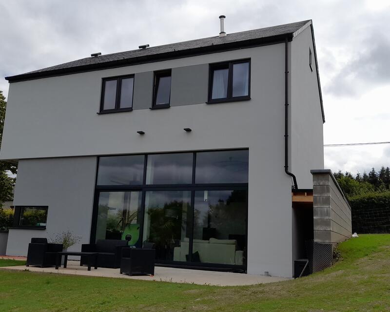 Arrière de la maison, orientée au Nord-Est / crédit : Activ'Architecture