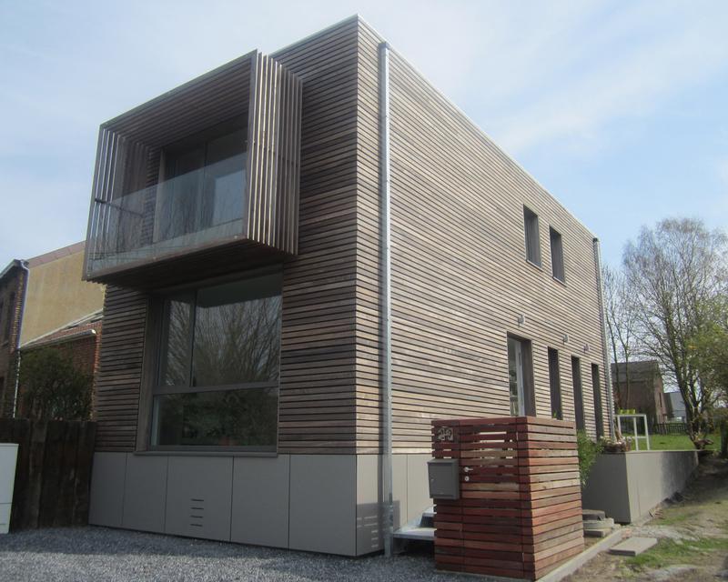 Cube contemporain en ossature bois avec sous-sol habité