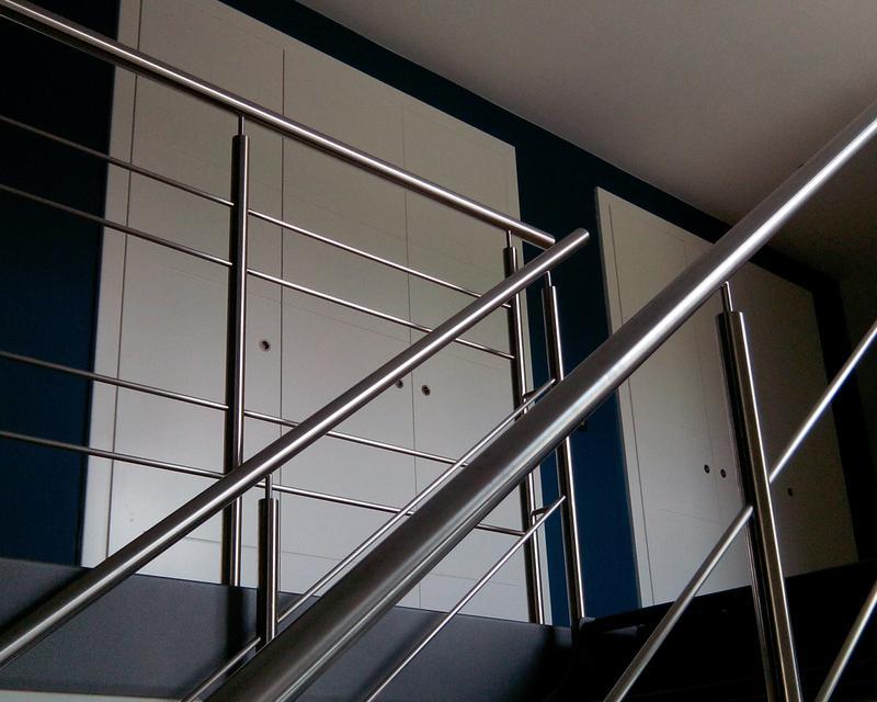 Escalier vers palier nuit