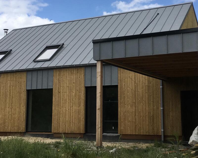 façade arrière, avec sa terrasse couverte